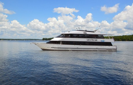 Queens Landing Lake Norman North Carolina - Luxury Yacht Dinner Cruise